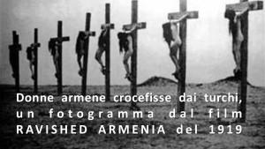 donne armene crocifisse dai turchi2